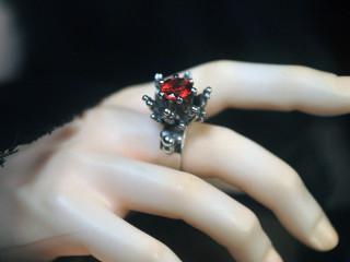 garnet thorn ring