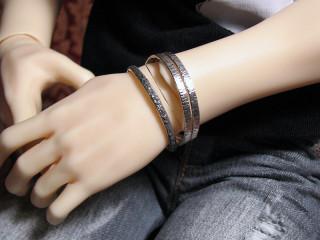 1527 textured bangles