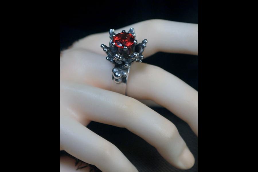 garnet-thorn-ring-6
